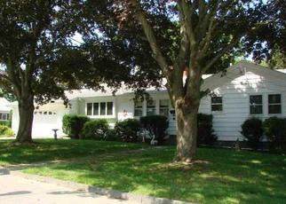 Foreclosed Home in Tiverton 02878 BAYVIEW AVE - Property ID: 4312170372