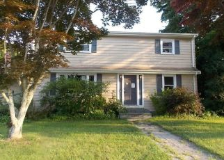 Foreclosed Home in Tiverton 02878 DION AVE - Property ID: 4312179125