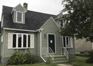 Foreclosed Home in Manitowoc 54220 S 15TH ST - Property ID: 4312258857