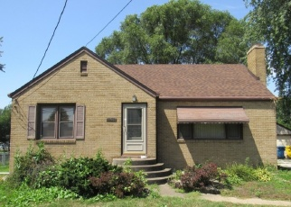 Foreclosed Home in Griffith 46319 N BROAD ST - Property ID: 4312417838