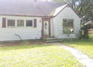 Foreclosed Home in Merrillville 46410 W 63RD AVE - Property ID: 4312424844