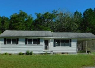 Foreclosed Home in Timmonsville 29161 E LYNCHES RIVER RD - Property ID: 4312489213