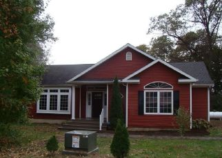 Foreclosed Home in Swanton 43558 WOODSIDE DR - Property ID: 4312510235