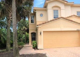 Foreclosed Home in Fort Myers 33966 CHERRYBROOK LOOP - Property ID: 4312721336