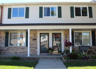 Foreclosed Home in Sterling Heights 48312 JAMESTOWN DR - Property ID: 4312767777