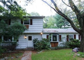 Foreclosed Home in Chester 10918 SURREY RD - Property ID: 4312778723