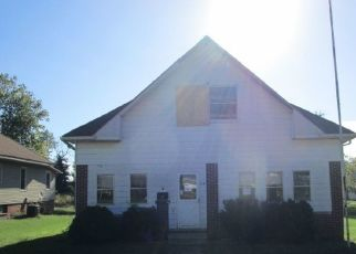 Foreclosed Home in Oakland City 47660 S LINCOLN AVE - Property ID: 4312825134