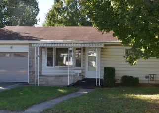 Foreclosed Home in Richmond 47374 SW 2ND ST - Property ID: 4312851424