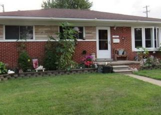 Foreclosed Home in Dearborn Heights 48127 MIDWAY ST - Property ID: 4312924566