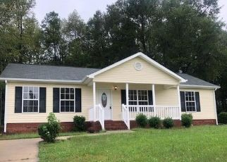 Foreclosed Home in Lancaster 29720 E PARK DR - Property ID: 4312943847