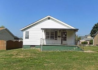 Foreclosed Home in Greenville 62246 S 1ST ST - Property ID: 4312966613