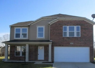 Foreclosed Home in Indianapolis 46239 NEWHALL PL - Property ID: 4313005141