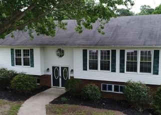 Foreclosed Home in Hayes 23072 POCAHONTAS LN - Property ID: 4313028813