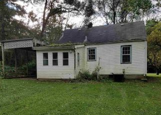 Foreclosed Home in South Bend 46614 MAGNOLIA RD - Property ID: 4313045896