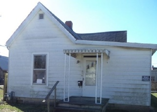 Foreclosed Home in Evansville 47710 W LOUISIANA ST - Property ID: 4313049834