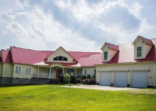 Foreclosed Home in Maxton 28364 PRESTON RD - Property ID: 4313056394