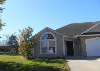 Foreclosed Home in Peculiar 64078 S CLAIRMONT ST - Property ID: 4313076993