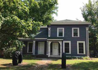 Foreclosed Home in Waupaca 54981 GRANITE ST - Property ID: 4313142229