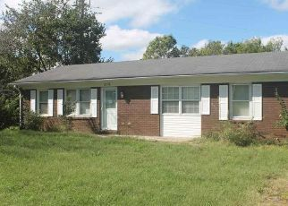 Foreclosed Home in Stanford 40484 LEE DR - Property ID: 4313164572