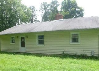 Foreclosed Home in Center Cross 22437 RIVERSIDE DR - Property ID: 4313203105