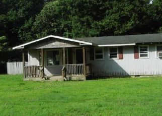 Foreclosed Home in White Stone 22578 SHADY LN - Property ID: 4313209687