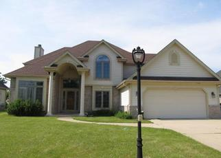 Foreclosed Home in Oak Creek 53154 W VIOLET DR - Property ID: 4313262685