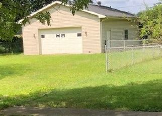 Foreclosed Home in Henderson 42420 SUTTON DR - Property ID: 4313264432