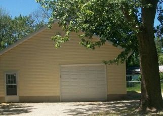 Foreclosed Home in Watseka 60970 YOUNT AVE - Property ID: 4313361670