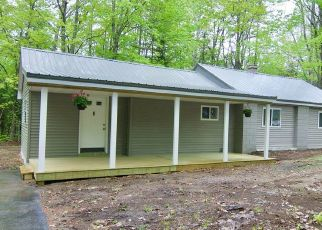 Foreclosed Home in Manchester 04351 BENSON RD - Property ID: 4313425159