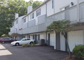 Foreclosed Home in Wolcott 06716 WOLF HILL RD - Property ID: 4313550878