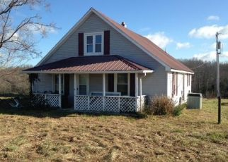 Foreclosed Home in Greensburg 42743 HOUKS CHAPEL RD - Property ID: 4313742706