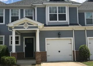 Foreclosed Home in Suffolk 23434 CRAFTSMAN CIR - Property ID: 4313780810