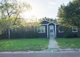 Foreclosed Home in Hebbronville 78361 W KOHLER ST - Property ID: 4313826800