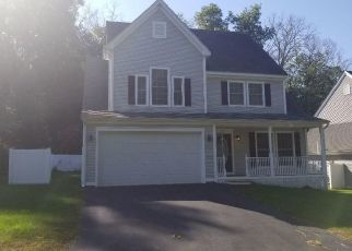 Foreclosed Home in Canton 06019 VILLAGE LN - Property ID: 4313881537