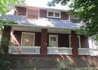 Foreclosed Home in Peoria 61606 W AYRES AVE - Property ID: 4313891616
