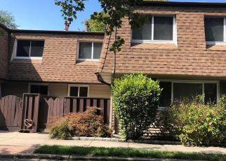 Foreclosed Home in Central Islip 11722 FELLER DR - Property ID: 4313913509