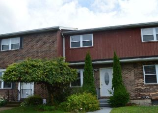 Foreclosed Home in Wilkes Barre 18705 CLARKS LN - Property ID: 4314103595