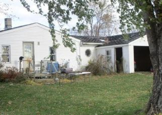 Foreclosed Home in Detroit 04929 FIELD RD - Property ID: 4314377767