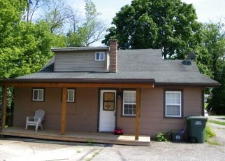 Foreclosed Home in Dover 17315 PARK ST - Property ID: 4314604185