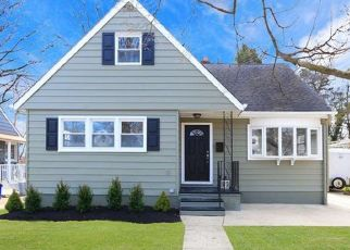 Foreclosed Home in Mount Ephraim 08059 WILSON AVE - Property ID: 4314631346
