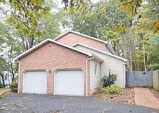 Foreclosed Home in Millersburg 17061 BERRY MOUNTAIN RD - Property ID: 4314676462