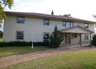 Foreclosed Home in Snyder 73566 8TH ST - Property ID: 4314711949