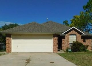 Foreclosed Home in Oklahoma City 73110 SE 8TH ST - Property ID: 4314739529