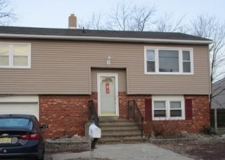 Foreclosed Home in Toms River 08753 OCEANIC DR - Property ID: 4314765365