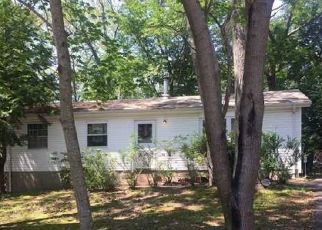 Foreclosed Home in Medford 11763 CARR LN - Property ID: 4314829759