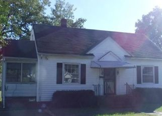 Foreclosed Home in Richmond 23222 SAVANNAH AVE - Property ID: 4314882301