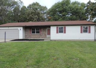 Foreclosed Home in Beaver Falls 15010 HICKORY DR - Property ID: 4314993103