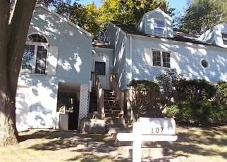 Foreclosed Home in Bridgeport 06610 GLENBROOK RD - Property ID: 4315012832