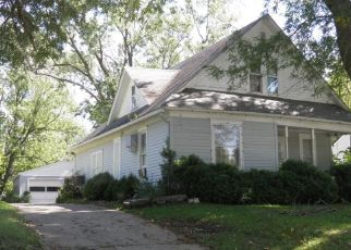 Foreclosed Home in Oskaloosa 52577 N MARKET ST - Property ID: 4315039995