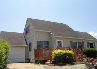 Foreclosed Home in Oskaloosa 52577 4TH AVE W - Property ID: 4315090342